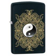 28829 Zippo öngyújtó, fekete matt színben, Yin Yang motívummal