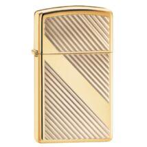 29724 zippo öngyujtó, arany színben, csikos mintával