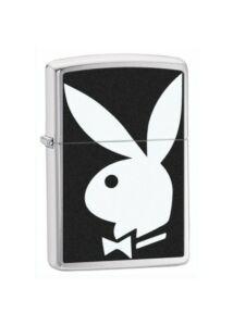 28269 Zippo öngyújtó, szálcsiszolt króm színben - Playboy logóval díszítve