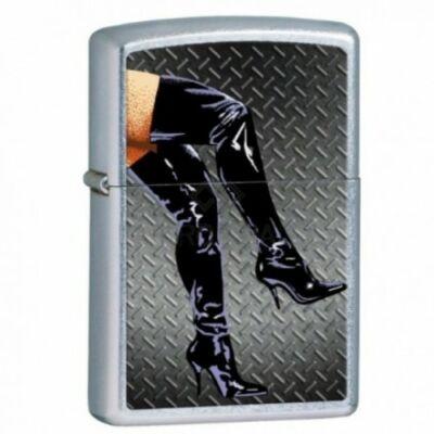 28055 Zippo öngyújtó, utcai csiszolt kivitelben - Lakk csizmás női lábak